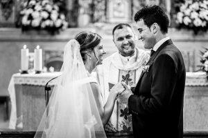 Boda en candelario, Patricia y Alfredo intercambian los anillos