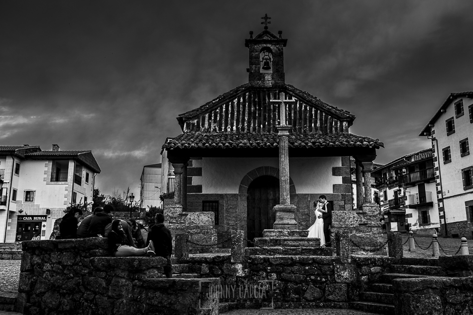 Boda en candelario, Patricia y Alfredo junto a la ermita de Candelario