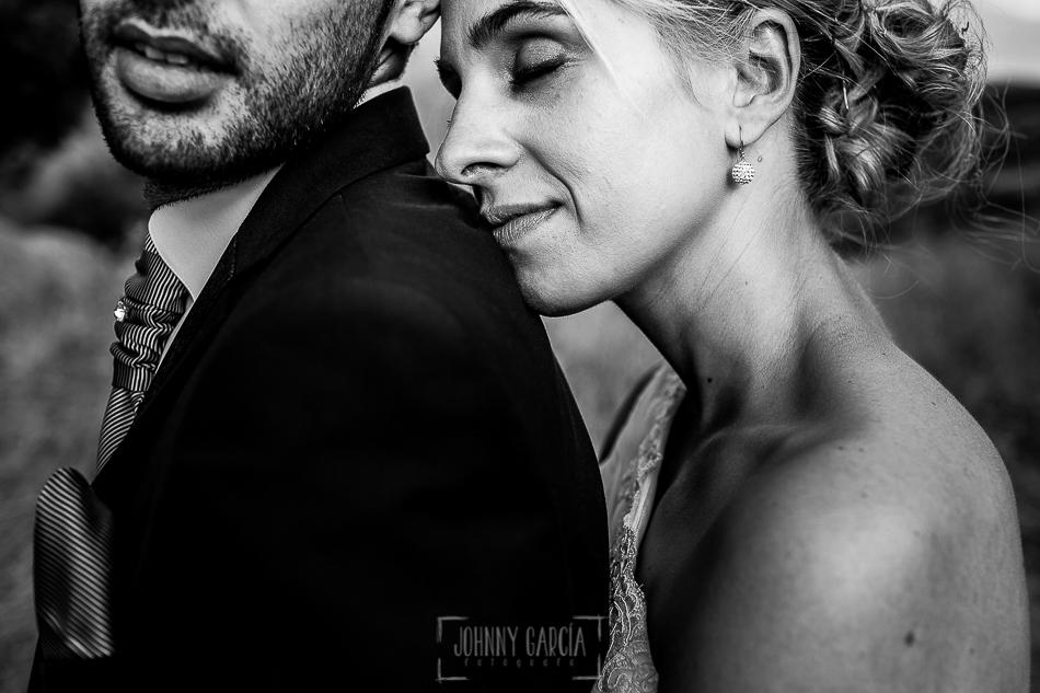 Boda en Béjar, post-boda en Los Barruecos, Lorena y Raúl un retrato de la pareja