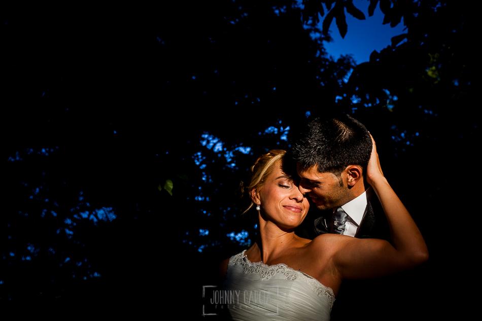 Boda en Béjar, post-boda en Los Barruecos, Lorena y Raúl, un retrato al salir de la ceremonia