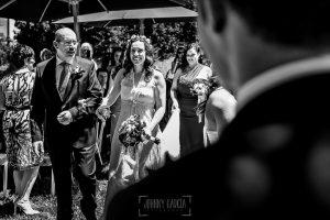 Boda en Hervás, Silvia y Roberto, Silvia llega a la ceremonia