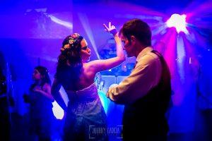 Boda en Hervás, Silvia y Roberto bailan