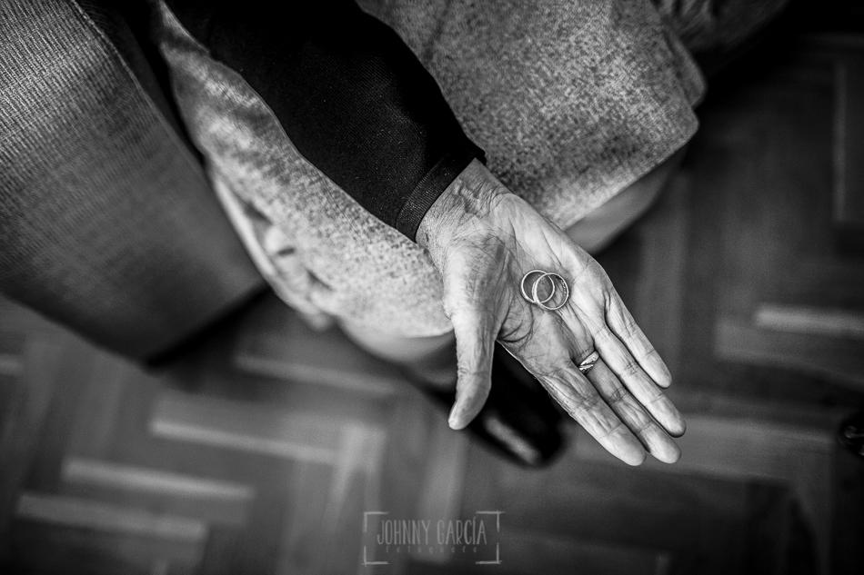 Boda en Salamanca, Elia + Nacho, la abuela de Elia con los anillos de la mano