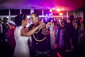 Boda en Salamanca, Elia + Nacho, la pareja bailando