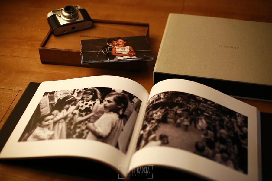 Ejemplo de libro de boda realizado por Johnny García. Detalle interior.