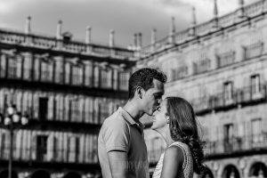 Pre boda en Salamanca, Cristina y Santiago en la Plaza Mayor