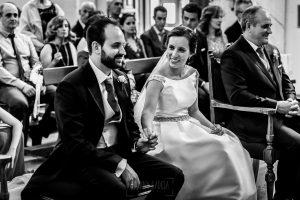 Boda en Hervás, Cáceres, Johnny García, fotógrafo de bodas en Extremadura, Ester y Juan Luis , 2015, Ester mira a Juan Luis sonriendo
