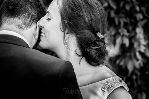 Boda en Hervás, Cáceres, Johnny García, fotógrafo de bodas en Extremadura, Ester y Juan Luis , 2015, Un retrato de Ester y Juan Luis en la sesión de exteriores por Hervás, en Extremadura