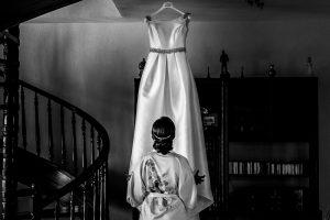 Boda en Hervás, Cáceres, Johnny García, fotógrafo de bodas en Extremadura, Ester y Juan Luis , 2015, Ester prepara su vestido