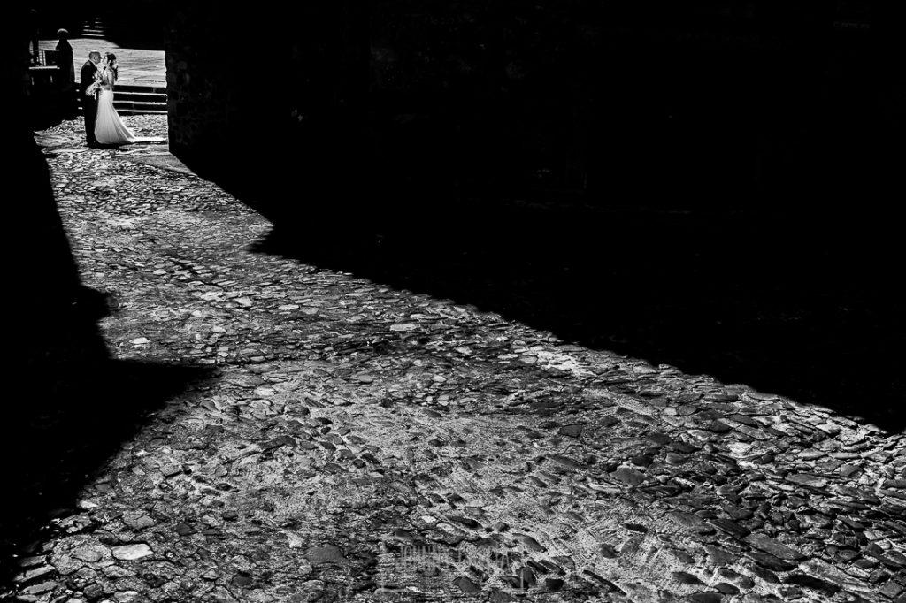 Boda en Caceres, Maria e Isidro, realizada por el fotografo de bodas en Caceres Johnny Garcia, Extremadura, María e Isidro por el casco histórico de Cáceres