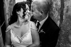 Boda en Caceres, Maria e Isidro, realizada por el fotografo de bodas en Caceres Johnny Garcia, Extremadura, Un retrato de los novios en primer plano