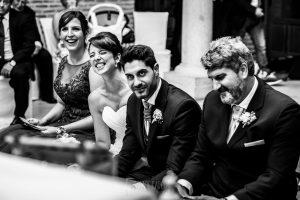 Boda en Valladolid, Alexandra y David, Johnny Garcia, en la ceremonia rien ante una lectura