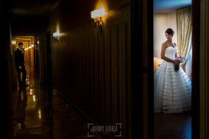 Boda en Valladolid, Alexandra y David, Johnny Garcia, Alexandra antes de salir del hotel, en el pasillo David