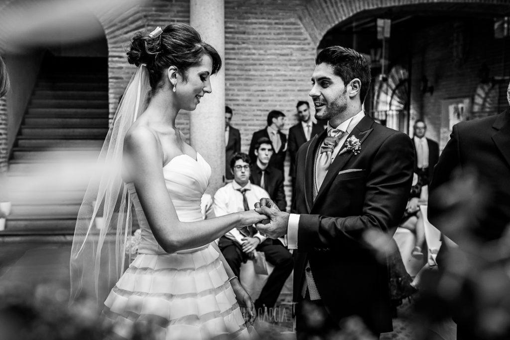 Boda en Valladolid, Alexandra y David, Johnny Garcia, Alexandra y David se intercambian los anilos