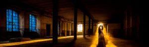 Fotografía premiada en la ISPWP desde Estados Unidos, realizada por Johnny García en una fábrica textil de Béjar, en Salamanca, foto destacada