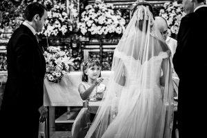 Boda en Béjar de Cristina y Santiago realizada por Johnny Garcia, la sobrina de Cristina lleva los anillos al altar