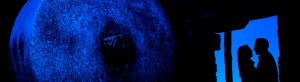 Pre boda en Boadilla del Monte de Laura y Manuel realizada por el fotógrafo de bodas en España Johnny Garcia, la silueta de Laura y Manu desde las caballerizas del Palacio del Infante Don Luis, foto destacada