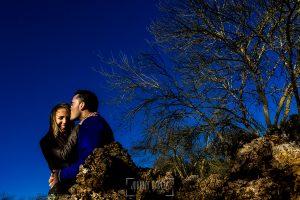 Pre boda en Boadilla del Monte de Laura y Manuel realizada por el fotógrafo de bodas en España Johnny Garcia, retrato de Laura y Manuel
