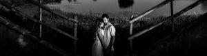 Pre boda en Mohedas de Granadilla de Esmeralda y Luis Miguel realizada por el fotógrafo de bodas en España Johnny Garcia en 2016, Esmeralda y Luis Miguel en la sesión de exteriores, foto destacada