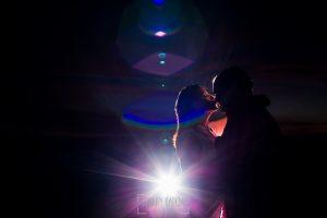 Pre boda Calvarrasa de Arriba de Ana Cristina y Feliciano, realizada por Johnny García, fotógrafo de bodas en Salamanca, un retrato de la pareja cerca de la ermita de Calvarrasa de Arriba