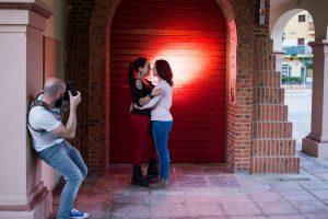 Foto de Eugenio Sánchez a Johnny García durante el shooting de Conecta, encuentro nacional de fotógrafos de boda en España, Valencia