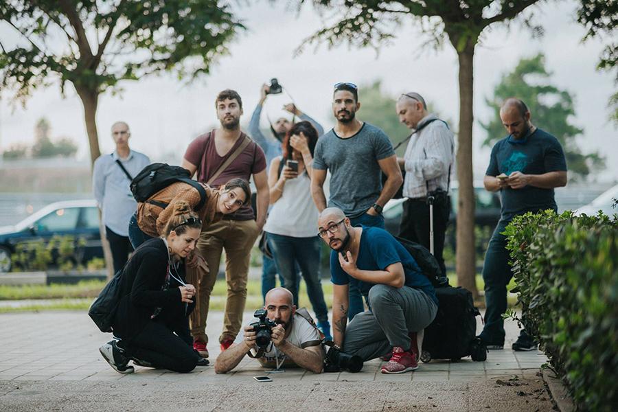 Foto de Pedro Floro a Johnny García durante el shooting de Conecta, encuentro nacional de fotógrafos de boda en España, Valencia