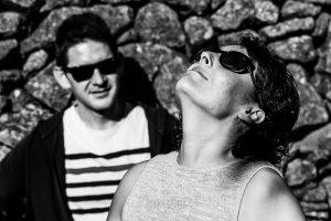 Fotografía de la pre boda en Tornavacas de Mercedes y Fran, realizada por Johnny García, fotógrafo de bodas en Extremadura, retrato en blanco y negro de Mercedes