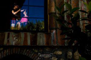 Boda en Hervás de Tamara y Sergio realizada por Johnny García, fotógrafo bodas Extremadura, la novia y maquilladora