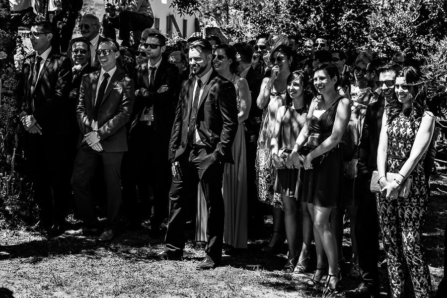 Boda en Hervás de Tamara y Sergio realizada por Johnny García, fotógrafo bodas Extremadura, los amigos de los novios