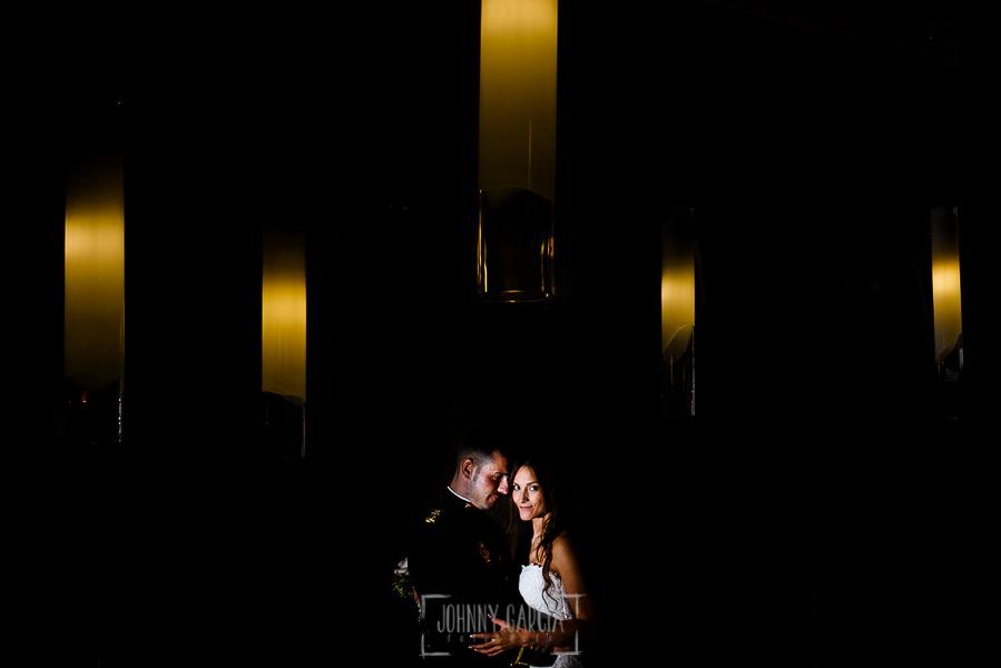 Boda de Noelia y César en Horcajo de Montemayor realizada por Johnny García, Fotógrafo de bodas en Salamanca, retrato de los novios