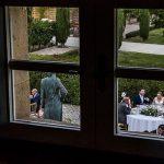 Boda en la Hacienda Zorita de Salamanca de Emma y Michael realizada por Johnny García, wedding photographers in Spain, detalle de la mesa nupcial, foto destacada