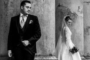 Boda en Salamanca de Laura y Manu, realizada por el fotógrafo de bodas en Salamanca Johnny García, Manu y Laura en una fotografía de la post boda por Salamanca
