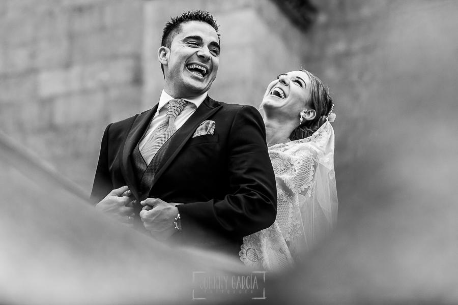 Boda en Salamanca de Laura y Manu, realizada por el fotógrafo de bodas en Salamanca Johnny García, un retrato de los novios