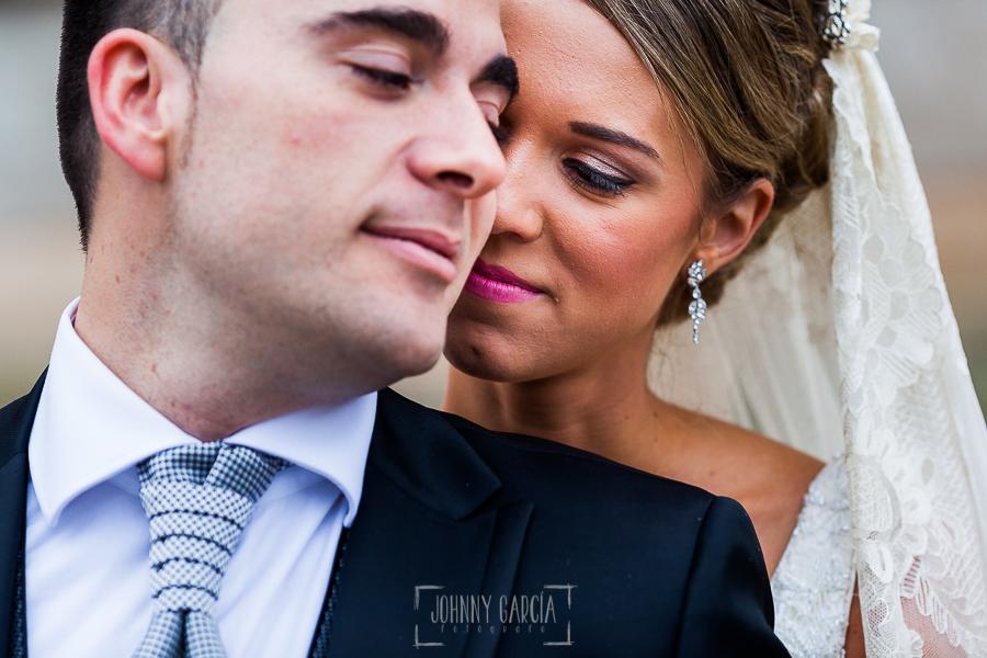 Boda en Salamanca de Laura y Manu, realizada por el fotógrafo de bodas en Salamanca Johnny García, retrato de la pareja