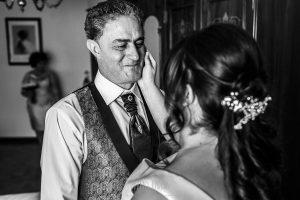 Boda en Guijuelo, Salamanca, de María Eugenia y David, realizada por Johnny García, fotógrafo de bodas en Salamanca, María Eugenia con su padre