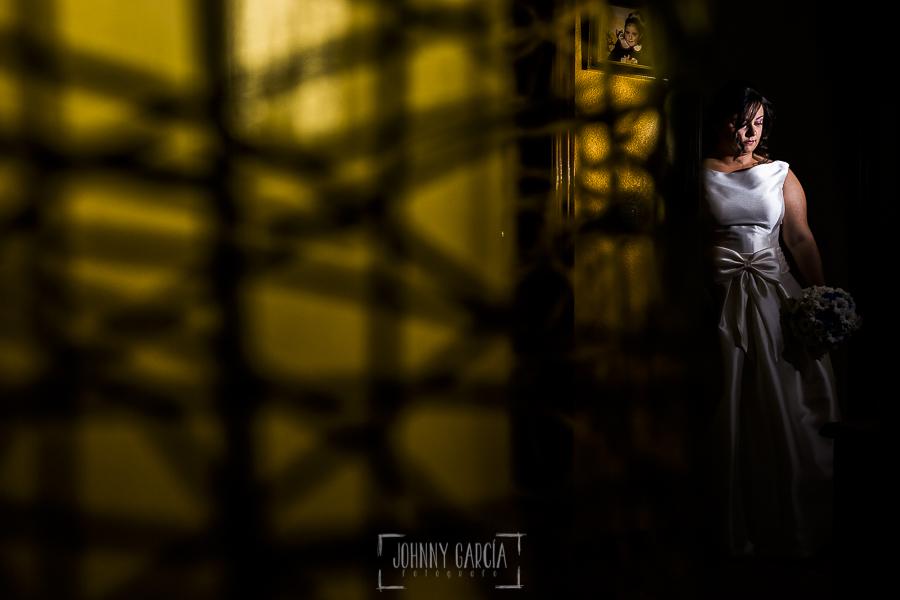 Boda en Guijuelo, Salamanca, de María Eugenia y David, realizada por Johnny García, fotógrafo de bodas en Salamanca, un retrato de María Eugenia