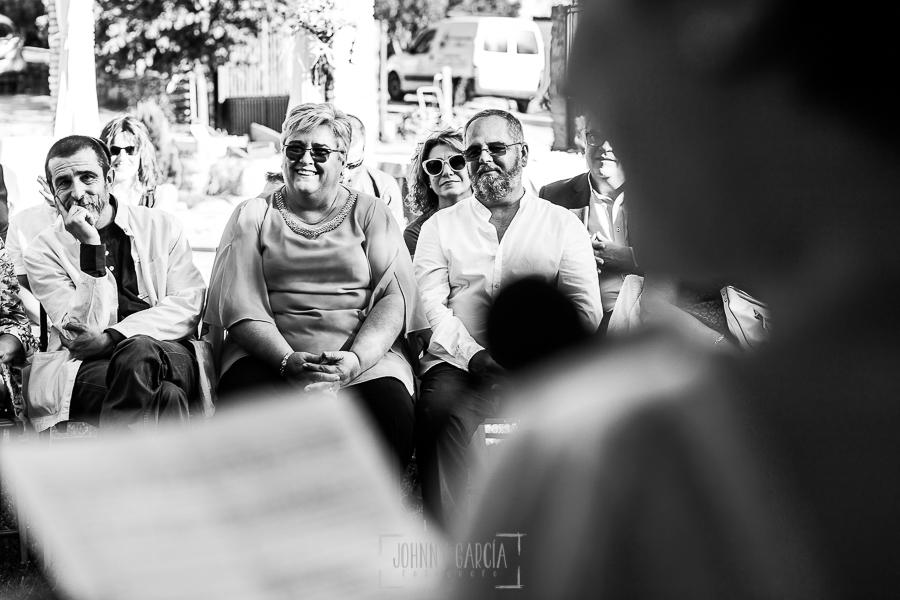 Boda en Hervás y postboda en Trevejo de Sofía y Charly realizada por Johnny García, fotógrafo de bodas en Extremadura, los padres del novio