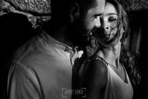 Boda en Hervás y postboda en Trevejo de Sofía y Charly realizada por Johnny García, fotógrafo de bodas en Extremadura, retrato de los novios