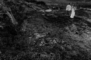 Boda en Hervás y postboda en Trevejo de Sofía y Charly realizada por Johnny García, fotógrafo de bodas en Extremadura, una fotografía de los novios