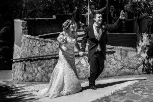 Post boda en Llanes y boda en Medinilla de Laura y Jonatan realizada por Johnny Garcia, fotografo de bodas en Asturias, los novios llegan al Rincón de Castilla