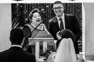 Boda en Granada de Marta y Mauricio realizada por Johnny García, fotógrafo de bodas en Granada, los oficiantes de la ceremonia en Granada