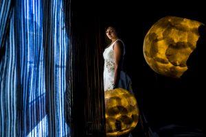 Boda en Íscar, Valladolid, de Marta y Oliver realizada por Johnny Garcia, fotógrafo de bodas en Valladolid, Marta coje el ramo de novia