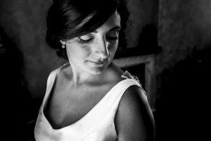 Boda en Íscar, Valladolid, de Marta y Oliver realizada por Johnny Garcia, fotógrafo de bodas en Valladolid, retrato de Marta