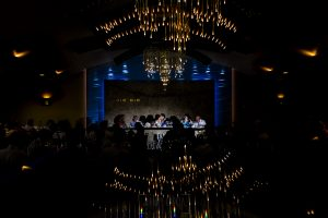 Boda en Íscar, Valladolid, de Marta y Oliver realizada por Johnny Garcia, fotógrafo de bodas en Valladolid, fotografía de la mesa nupcial