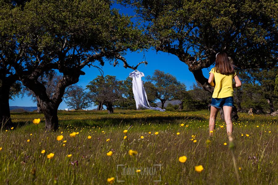 Fotos de comunión, comuniones Johnny García, fotógrafo en Extremadura, en una dehesa en Jarilla