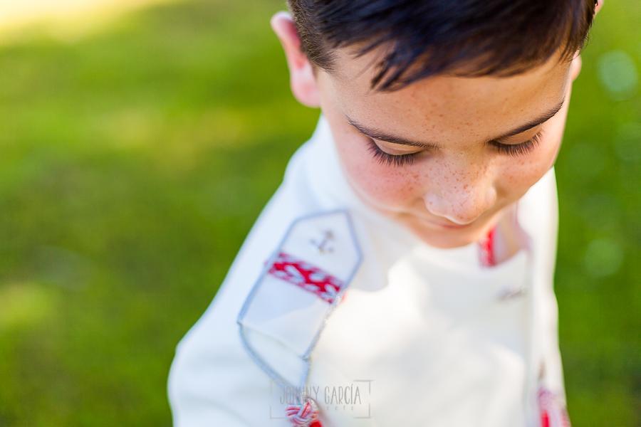 Fotos de comunión, comuniones Johnny García, fotógrafo en Extremadura, retrato de un niño de comunión