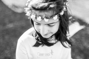 Fotos de comunión, comuniones Johnny García, fotógrafo en Extremadura, detalle de una corona de comunión