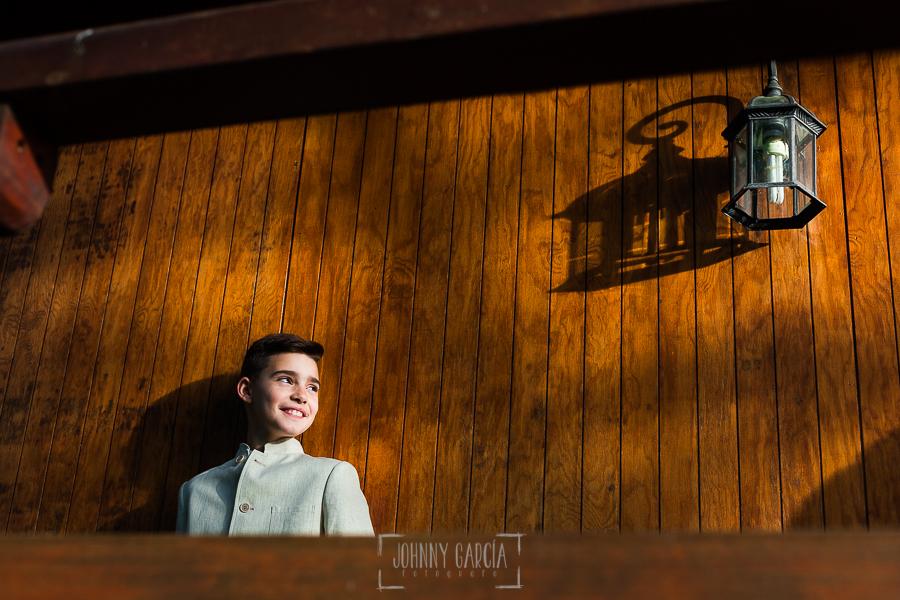 Fotos de comunión, comuniones Johnny García, fotógrafo en Extremadura, retrato en casa