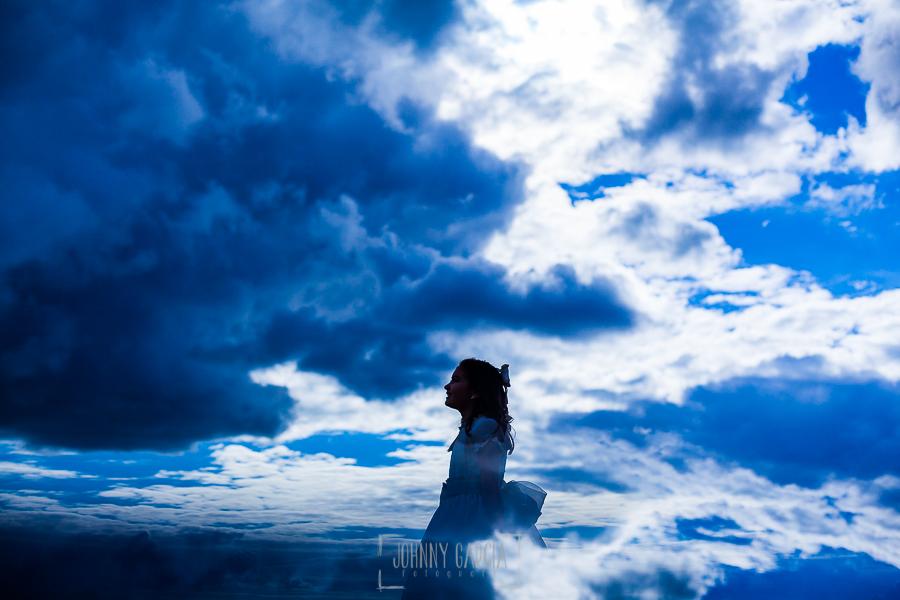 Fotos de comunión, comuniones Johnny García, fotógrafo en Extremadura, en las nubes