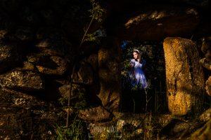 Fotos de comunión, comuniones Johnny García, fotógrafo en Extremadura, en unas ruinas